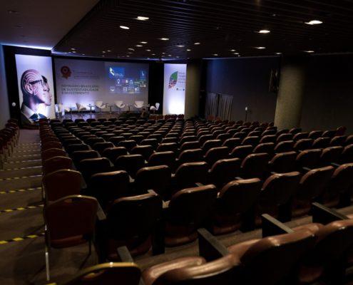 Auditório para 250 pessoas Centro do Rio